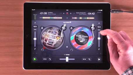 How To DJ with djay 2 - Using Sync